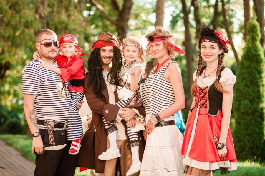 микропроцессор поддерживает фотосессия втроем в стиле пираты женщина счастлива браке