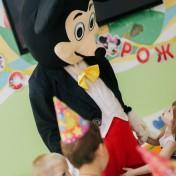 Минни и Микки в детском саду 006