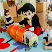 Минни и Микки в детском саду 017