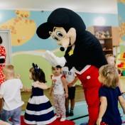 Минни и Микки в детском саду 020