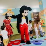 Минни и Микки в детском саду 022