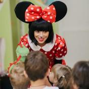 Минни и Микки в детском саду 025