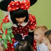 Минни и Микки в детском саду 028