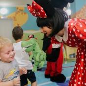 Минни и Микки в детском саду 033