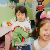 Минни и Микки в детском саду 036