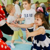 Минни и Микки в детском саду 039