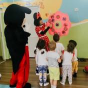 Минни и Микки в детском саду 040