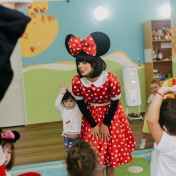 Минни и Микки в детском саду 041